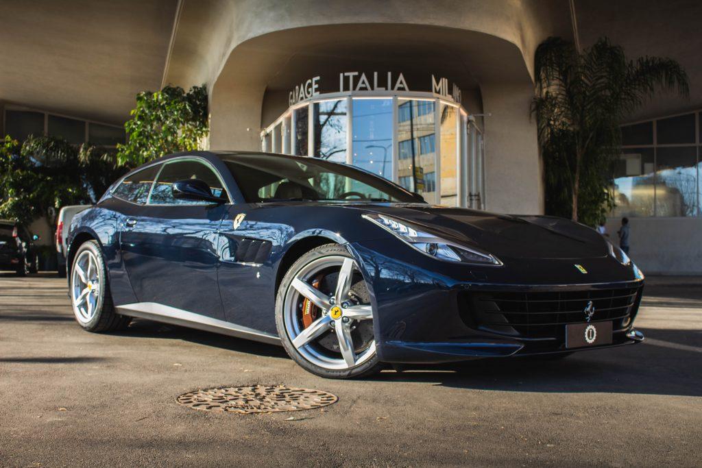 ferrari GTC4 LUSSO garage italia