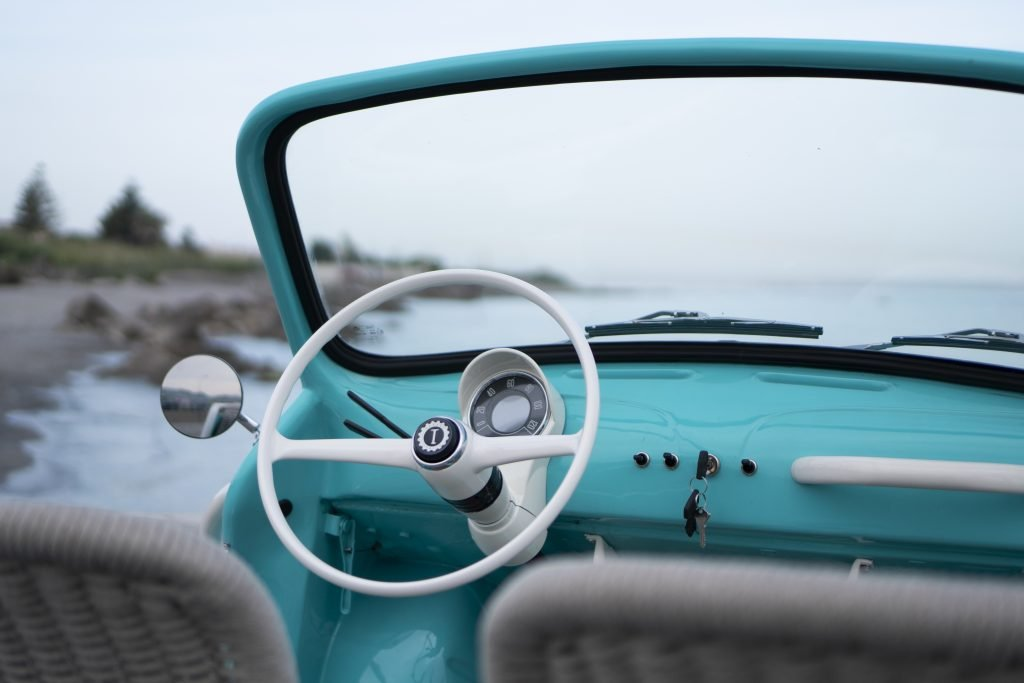 Pantone Stories: Tiffany spiaggina icon-e garage italia