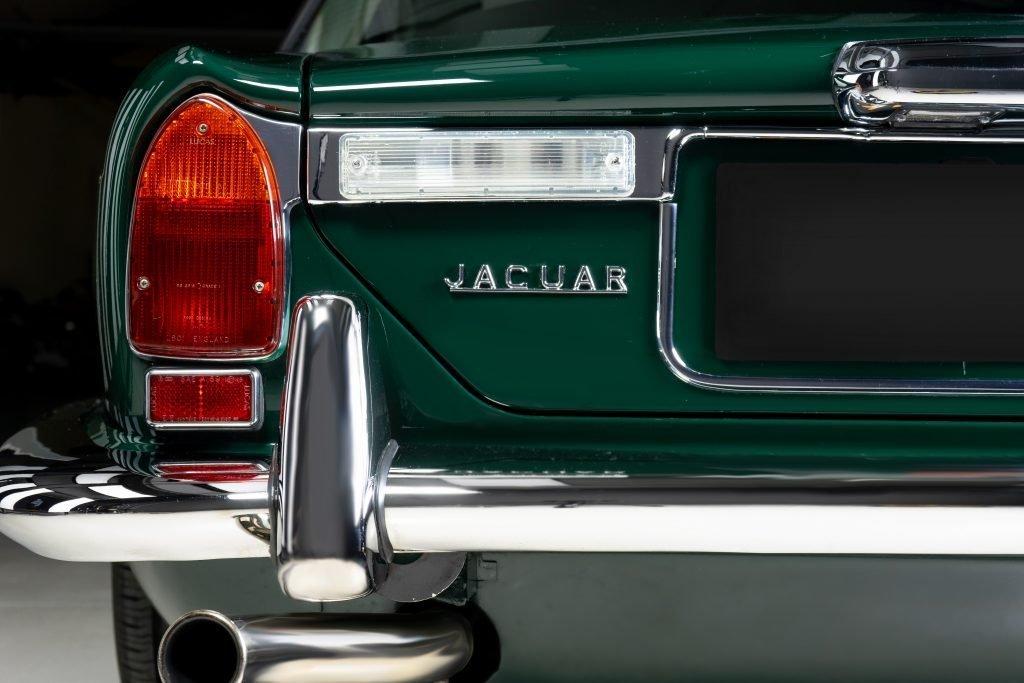 detailing_diaries_jaguar_xj_4.2_C_faro_posteriore