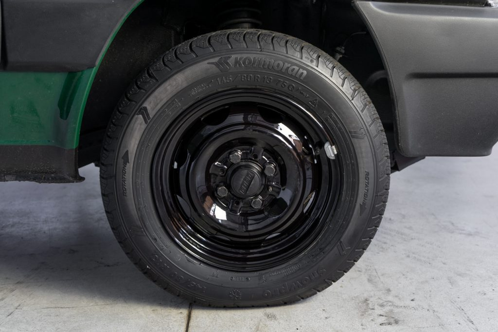 panda_integral-e_placca_black_green_wheels